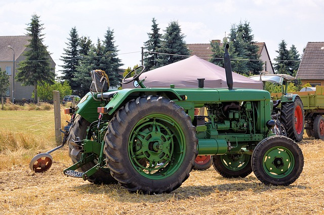 tractor-1522227_640