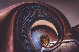 4 atuty wyboru schodów drewnianych