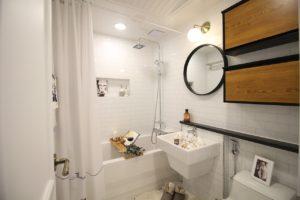 Oświetlenie w łazience bez okna – praktyczne wskazówki aranżacyjne